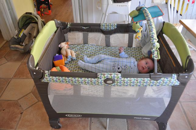 Giveaway A Graco Pack N Play Daddy Mojo
